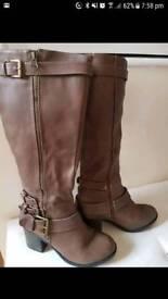 Stunning brown high leg boots size 4