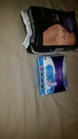 8 Always discreet boutique under wear and 10 sensitive bladder pads