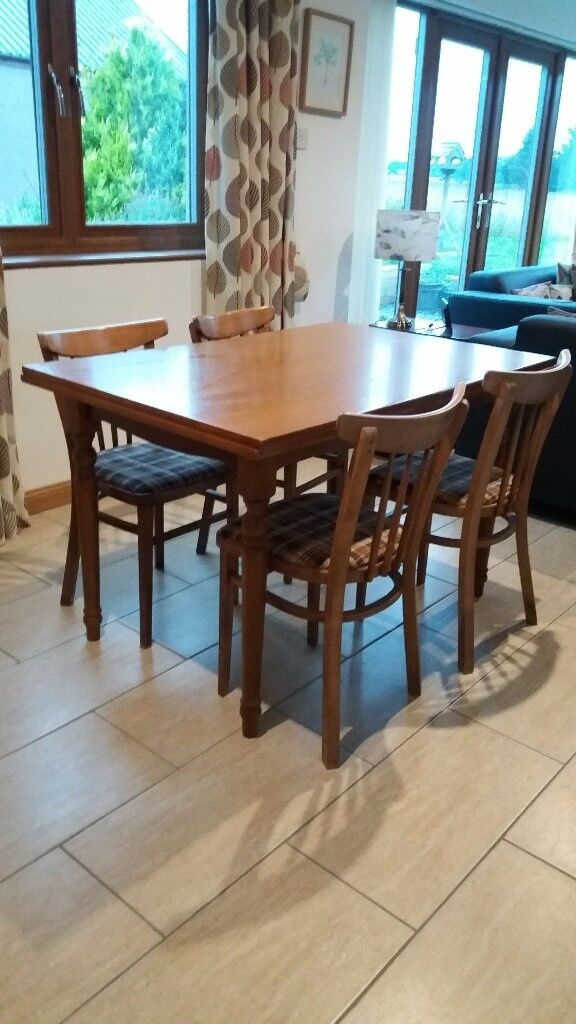 Extendable Oak Dining Table and 4 Chairs for Sale £60