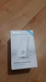 TP-LINK TL-WA850RE Universal WiFi Range Extender - N300, Single-band