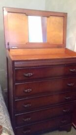 Dressing table /chest of drawers. Great condition