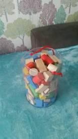 Kids building wooden blocks