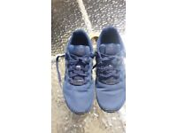 Boys Adidas Torsion Lightweight Trainers Size 3.
