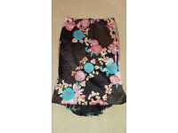 Karen Millen black and floral satin fishtail skirt size 8