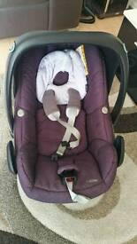 Maxi cosi pebble car seat in purple