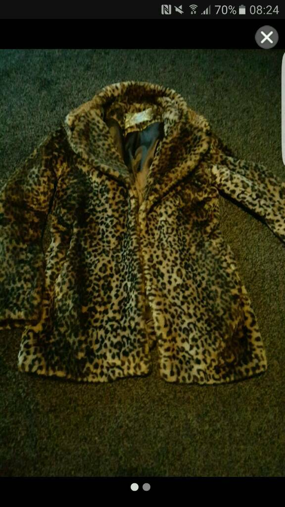 Stunning fax fur jacket coatin Cradley Heath, West MidlandsGumtree - This is a 14 from new look but wud fit a 12 its a lovely coat wont accept any offers as I paid 45 pound for this