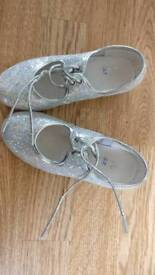 Silver sparkly tap shoes size 10