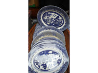 "8 x Large 15"" large Meat Plates, blue & White Willow Design"