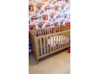 Lovely mamas papa cot payed over 600 looking for 150 ono