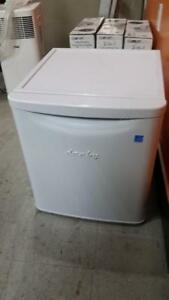 DANBY FRIDGE SMALL SIZE FOR SALE(DISCOUNTED PRICE