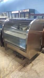 4 FT TRUE CURVED GLASS PASTRY COOLER
