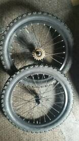 18 inch PAIR CHILDS BIKE WHEELS / TYRES / TUBES