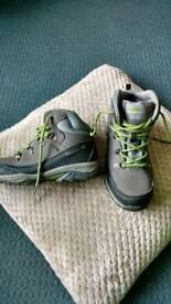 Trespass Boots size 4