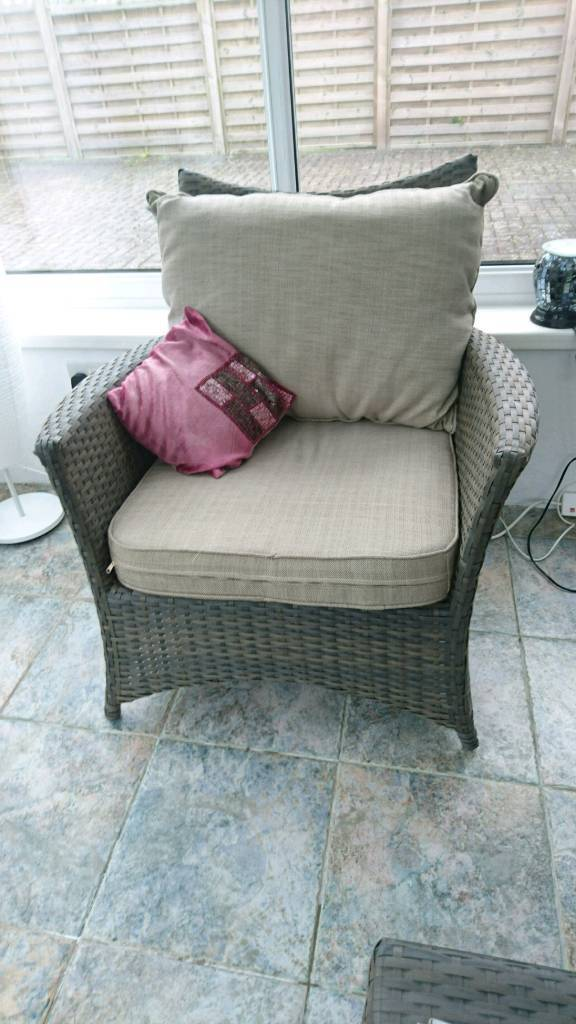 Hartman madison rattan furniture setin SwanseaGumtree - Hartman madison rattan furniture set with coffee table. Excellent condition. Minimal wear. Retails for 699