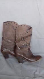 Ladies Cowboy Boots, brown, size 5