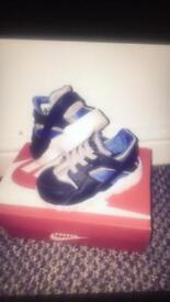Boys shoe bundle size 4-4.5