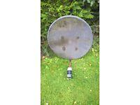 60 cm Satellite Dish with quad LNB
