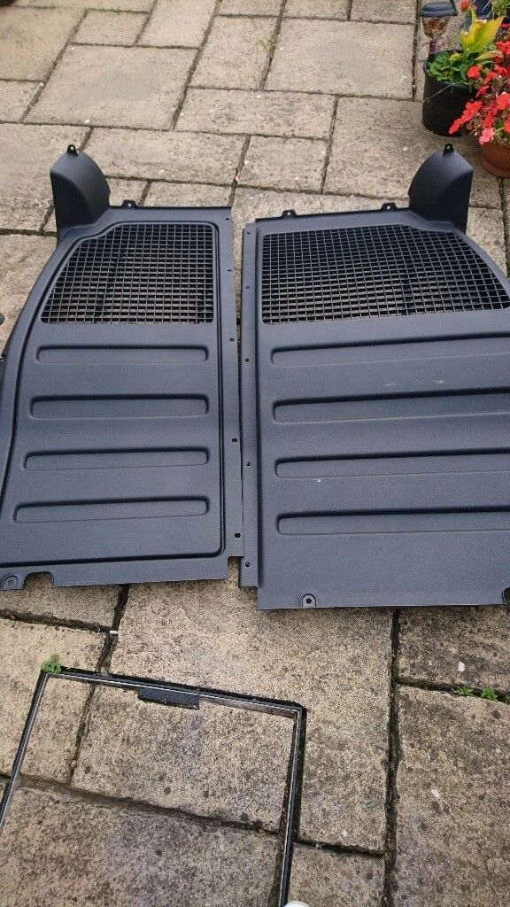 VW Caddy bulkhead
