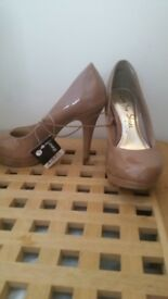 Elegant ladies heels in size 3