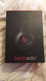 Beats Solo 2 Headphones- black and red- faulty