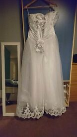 Weddig dress size 18 never been worn