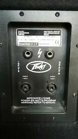 Peavey powered Mixing Console and Speakers with stands and Cables