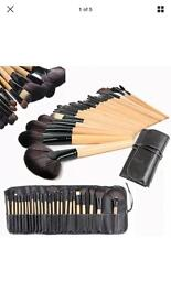 Job lot 12 sets of make up brushes - 24 brushes in each