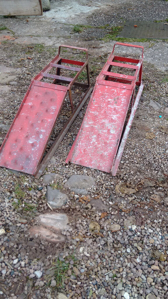 Car ramps, pair.