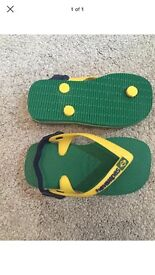 Small boys baby havaianas green and yellow Brazil size 22 euro 24