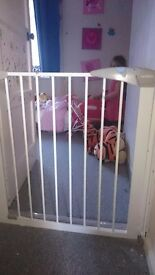 Lindam stair gate in perfect working order