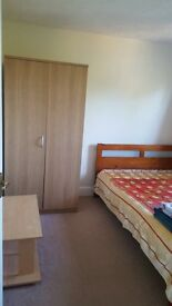 Spacious Double Bedroom 10-15min from town £380