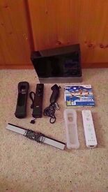 NINTENDO WII w/ 2 CONTROLLERS (+ cables) - GREAT CONDITION! £50 o.n.o.