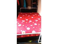Double bed 1.35 x 2.00 m.