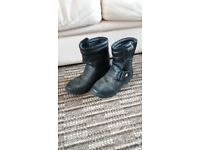 Motorcycle boots Akito size 38