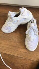 Nike huaraches size 9
