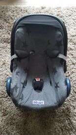 Maxi cosi bundle inc seat, isofix, raincover, cotton cover and blanket
