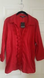 Stunning NEW with labels Debenhams ladies blouse, size 20.