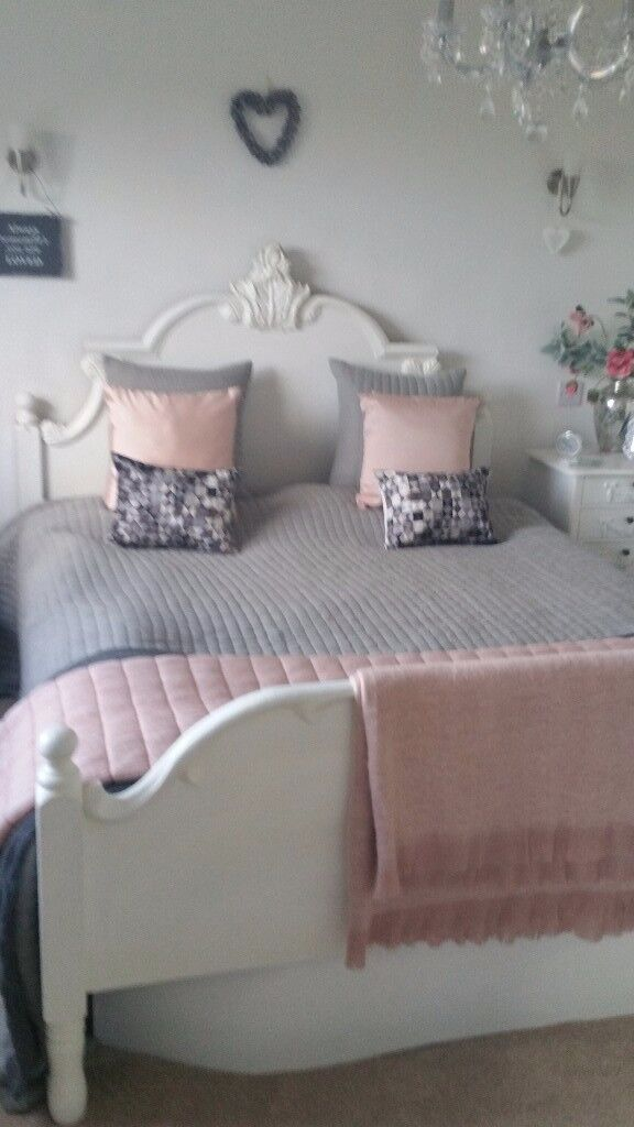 Lovely solid pine King size water bed