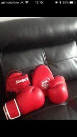 Gloves and pads