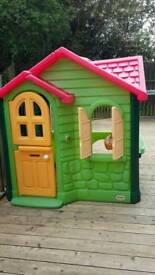 Little Tikes Country Cottage Outdoor Playhouse