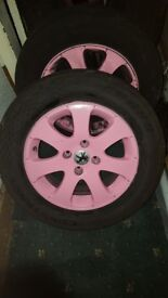 Peugeot 307 alloys . 195/65/15 very good tyres