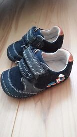 Clarks baby shoes size 2.5 G (18)