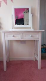 White Shabby Chic Wooden Dressing Table with 2 drawers and mirror
