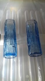 2 stunning small blue vases