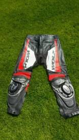 Wolf leather motorbike trousers UK38