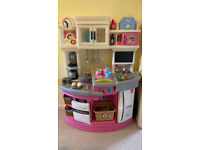 Step 2 Lil Chef's gourmet Childs' kitchen with lots of accessories