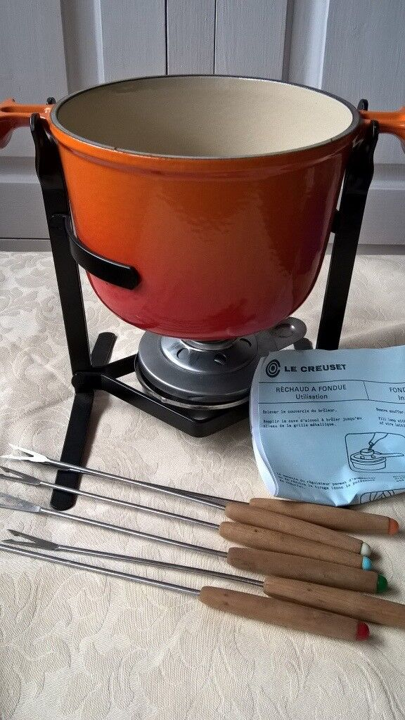 LE CREUSET FONDUE SET WITH FORKS AS NEW VOLCANIC IMMACULATE