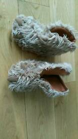 Boys and girls slippers size baby 6