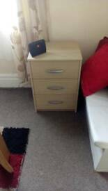 2 bed side draws