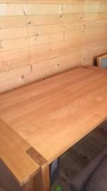 6 seater oak dining table (extends to sit 10)